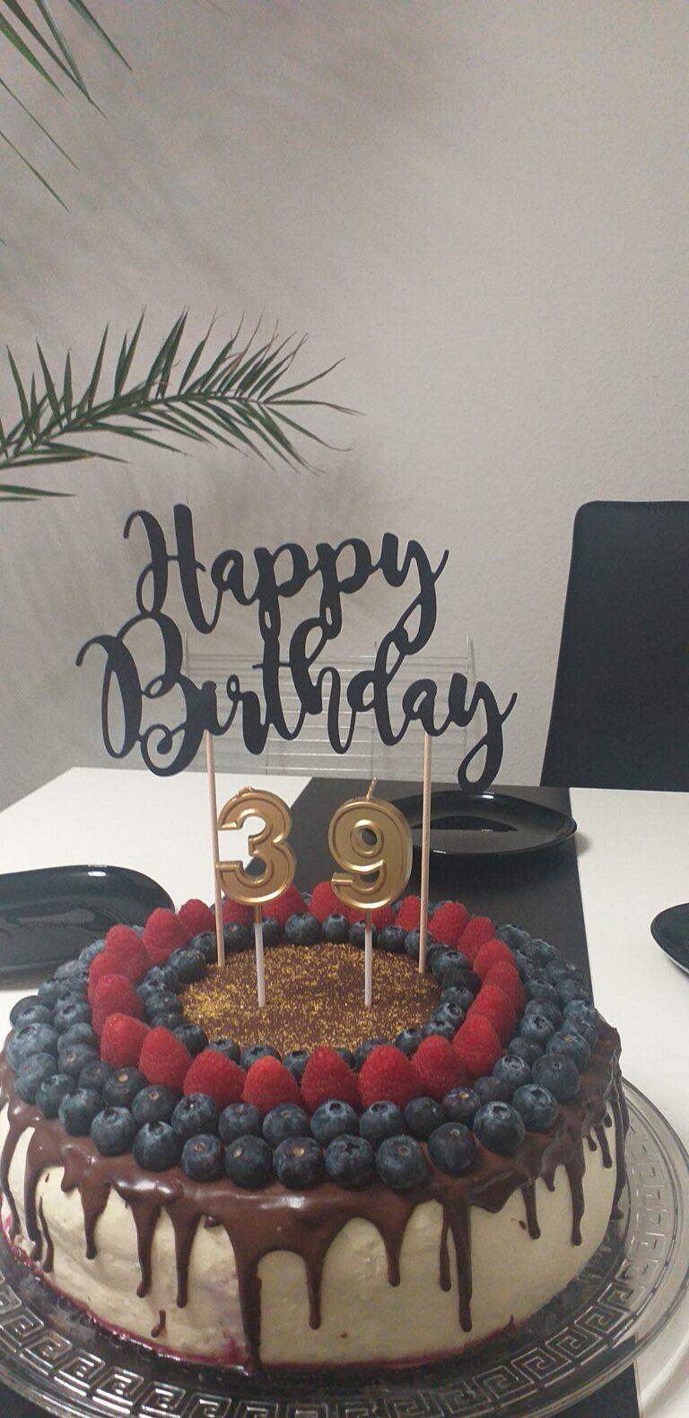 tort drip cake na urodziny