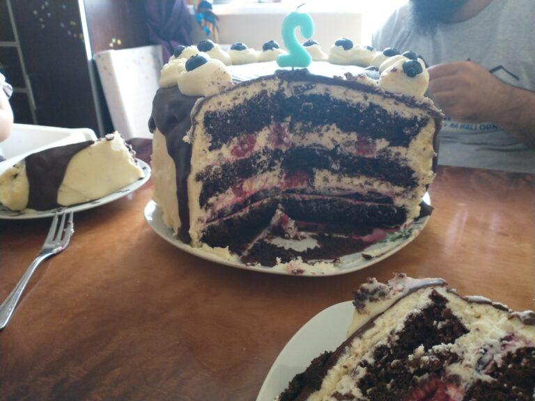 tort z żelką