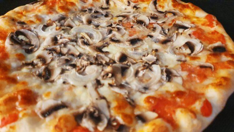 pizza jak z pizzerii