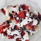 Ciasto łaciate z owocami (również mrożonymi)