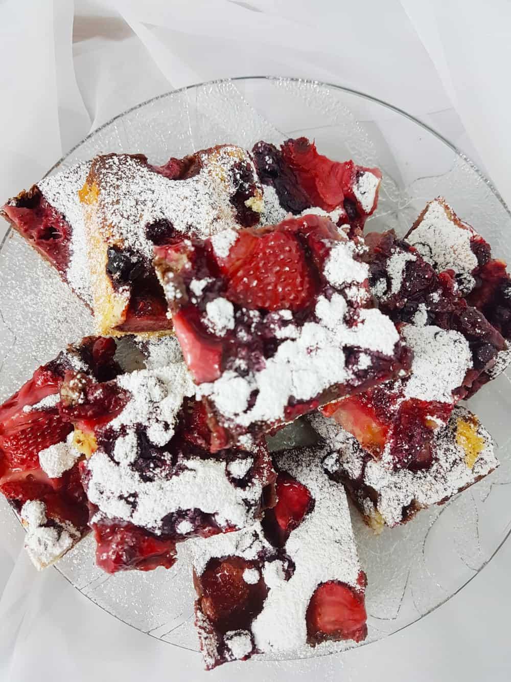 ciasto z owocami mrożonymi