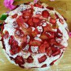 Mega pulchne ciasto z truskawkami i rabarbarem