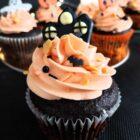 Babeczki na Halloween - czekoladowe z pomarańczowym kremem